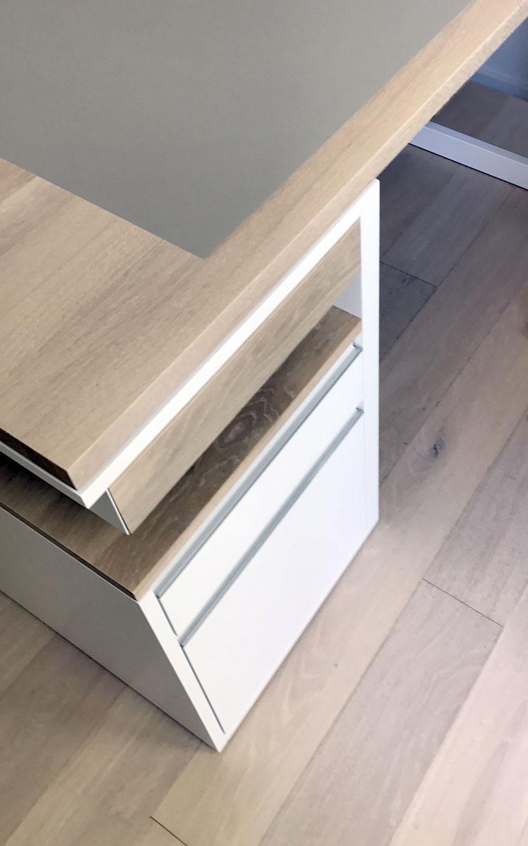 Abbildung IMG_6430a Schreibtisch für eine Regalwand - Planquadrat Dortmund
