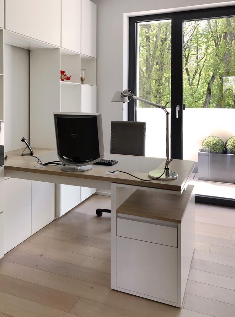 Abbildung IMG_6436a Schreibtisch für eine Regalwand - Planquadrat Dortmund